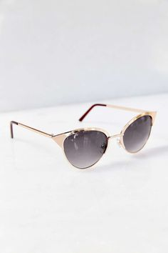 b784ffaaf2413 Speed Demon Metal Catmaster Sunglasses - Urban Outfitters Guarda Roupa