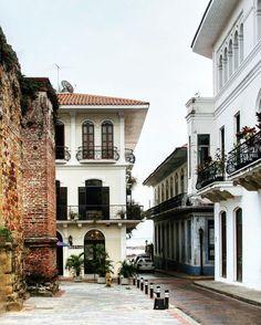 Plaza Catedral, Casco Viejo, Panama