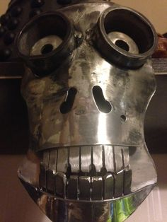 how i made a steel skull now my best friend lol