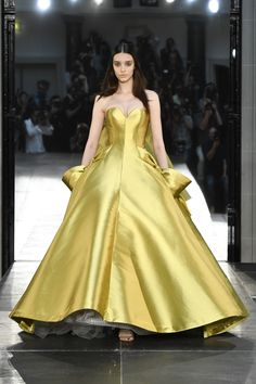Alexis Mabille Fall 2016 Couture Fashion - Venus
