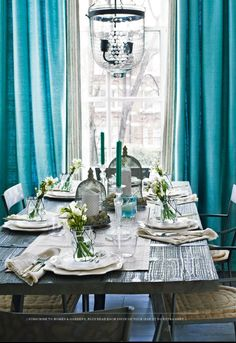 Romantic Style Dining Room. Blue Dining Room. Tiffany Blue. Centerpiece For  Dinner Party