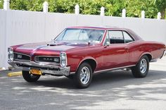 1966 Pontiac GTO ... When I'm finished with my baby she will hopefully look this pretty!! :)