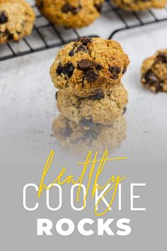 I came up with these oat-based cookies when my youngest daughter had a baking assignment from school. I thought, why not combine it with a recipe for fooodlove?! These slightly spiced, vanilla biscuits with chocolate chips and dried cranberries are still obviously a treat - but the oats give you some slow-release energy too! Healthy Oat Cookies, Healthy Biscuits, Cooking Videos, Food Videos, Vanilla Biscuits, Dried Cranberries, Vanilla Flavoring, Biscuit Recipe, Vegetarian Chocolate