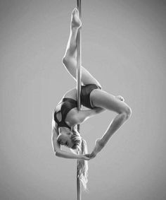 Pole Dance Moves, Pool Dance, Dance Poses, Dance Choreography, Pole Dancing, Aerial Dance, Aerial Hoop, Aerial Arts, Aerial Silks