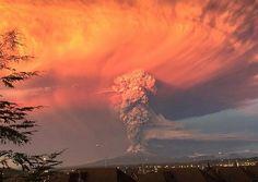Erupción Volcan Colbuco  Región de los Lagos-Chile.