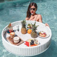 Breakfast Tray, Bed And Breakfast, Tostadas, Crepes, Chemex Coffee, Brunch, Diy Resin Art, Hotel Bed, Rattan Basket