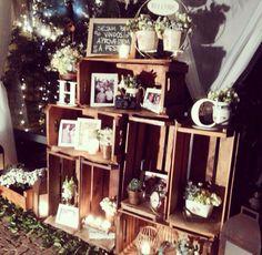 Resultado de imagem para decoração de casamento rustico cantinho com caixotes