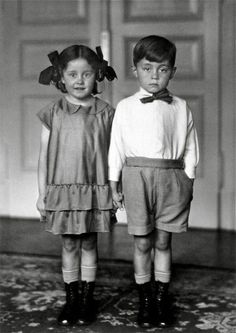 Photo: August Sander, Wonder if this influenced Diane Arbus and Stanley Kubrick? As it so happens, they were friends. Vintage Children Photos, Images Vintage, Photo Vintage, Vintage Pictures, Vintage Kids, August Sander, Diane Arbus, Antique Photos, Vintage Photographs