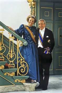 Holland's Queen Beatrix and Prince Claus Royal Brides, Royal Weddings, Nassau, Dutch Princess, Awsome Pictures, Royal Photography, Royal Christmas, Dutch Royalty, Casa Real