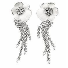 Wedding ideas  - Swarovski crystals earrings, created by TRIA ALFA. For a glam bride to be. #brideearrings #bride #wedding
