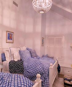 Cute Bedroom Decor, Room Ideas Bedroom, Home Bedroom, Preppy Bedroom, Preppy Bedding, Bedroom Inspo, Dream Rooms, Dream Bedroom, Pinterest Room Decor