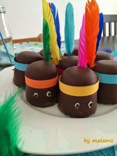 Nice and colourful treat! Like the happy indian. Kleurrijke traktatie! Van zulke indiaantjes word je toch blij!