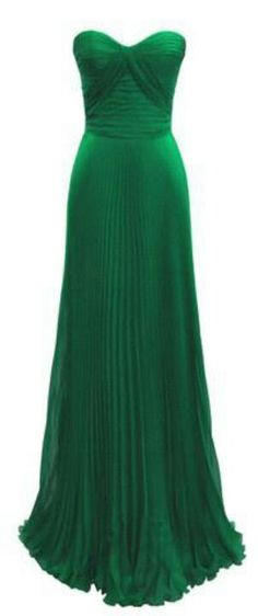 Emerald green formal gown. Gorgeous RVP Gown