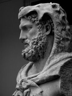 NYC - Metropolitan Museum of Art - Statue of bearded Hercules Marble statue of a bearded Hercules Roman, Flavian period, A.D. 68-98