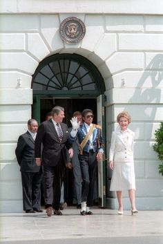 Michael Jackson | 29 Pictures Of '80s Pop Culture At The Reagan White House