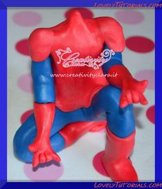 spiderman tutorial in fondant ile ilgili görsel sonucu Fondant Tips, Fondant Tutorial, Fondant Cakes, Fondant Figures, Cake Decorating Techniques, Cake Decorating Tutorials, Spiderman Cake Topper, Fondant People, Superhero Cake