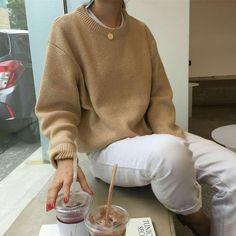Instagram - @ka.rinaaa_ ♥ College Fashion, College Outfits, School Fashion, Autumn Fashion Casual, Autumn Winter Fashion, Cute Fashion, Boho Fashion, Womens Fashion, Fall Chic