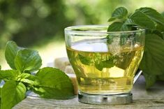 Holistic Remedies 16 Effective Home Remedies For Polycystic Ovary (PCOS) - Affecting one in 10 women of childbearing age, the polycystic ovarian syndrome is becoming more and more common these days. Worry not, home remedies are here to help you out Holistic Remedies, Natural Home Remedies, Health Remedies, Holistic Healing, Herbal Remedies, Peppermint Tea Benefits, How To Treat Pcos, Lotion Tonique, Women Health