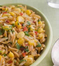 Healthy Crockpot Chicken Jambalaya - looks so yummy for summertime with the corn! Cookbook Recipes, Meat Recipes, Slow Cooker Recipes, Mexican Food Recipes, Crockpot Recipes, Chicken Recipes, Healthy Recipes, Recipies, Jambalaya Crockpot