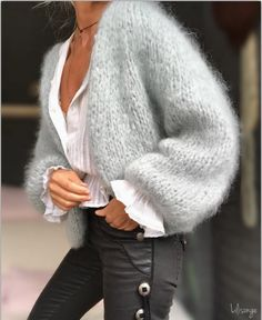 oday it's Cow girl . tunique et pantalon (old) oday it's Cow girl . tunic and pants (old) # bellrock necklace Accessories care Sweater Scarf, Mohair Sweater, Knit Cardigan, Pull Oversize Mohair, Cow Girl, Insta Look, Casual Street Style, Slow Fashion, Cardigans For Women