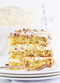 Italian Cream Cake Billie's Italian Cream Cake - buttermilk cake with coconut, pecans, cream cheese-y whipped frosting - delish!Billie's Italian Cream Cake - buttermilk cake with coconut, pecans, cream cheese-y whipped frosting - delish! Beaux Desserts, Just Desserts, Delicious Desserts, Yummy Food, Sweet Recipes, Cake Recipes, Dessert Recipes, Yummy Treats, Sweet Treats