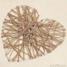 Envie de créer une déco pour la Saint-Valentin originale ? Découvrez le tuto pour réaliser un cœur avec du fil alu et de la laine que vous pourrez offrir !