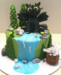 Toothless dragon cake for molly mai cakes pinterest dragon how to train your dragon cake ccuart Gallery