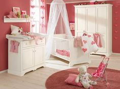 Princess Theme. Why not design the world around her with a princess theme? Let's start with the walls. Paint the walls with shades of pink. For further decoration of the walls, castle murals can be used. To give a majestic look to her crib, give it the shape of a throne. Put up a canopy over her baby crib. The furniture and the shelves of the room should be made of cherry wood. For a soft look for the room, use lots of satin fabrics. www.nicespace.me