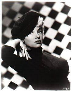 Lilly Christine - Burlesque Star