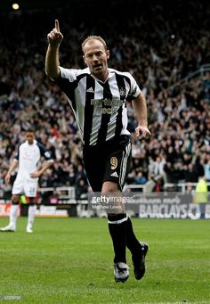 Alan Shearer of Newcastle celebrates his goal during the Barclays Premiership match between Newcastle United and Tottenham Hotspur at St.James' Park on April 2006 in Newcastle, England. David Beckham Manchester United, Newcastle United Football, Alan Shearer, Matthew Lewis, Tottenham Hotspur, Newcastle England, Leg Tattoos, Celebrities, Goal