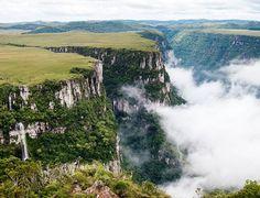 Cânion Fortaleza, Serra Geral, divisa de Santa Catarina com o Rio Grande do Sul.