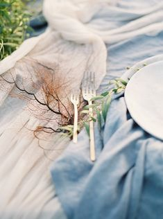decor from Cannon Beach Oregon styled shoot http://www.trendybride.net/cannon-beach-oregon-styled-shoot/