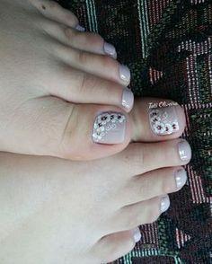 Pin on unha Pretty Pedicures, Pretty Toe Nails, Gorgeous Nails, Cute Nails, Pretty Toes, Toenail Art Designs, Toe Nail Designs, Mexican Nails, Feet Nail Design