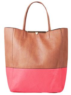 Fashion Beauty, Ladies Fashion, Womens Fashion, Shopper Tote, Tote Bag, Vetements Clothing, Classic Style, My Style, Retail Therapy