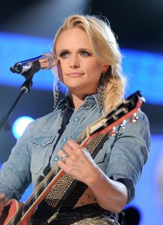 Miranda Lambert had multiple hair looks from the Academy of Country Music Awards, but this side fishtail braid from her performance is our favorite.