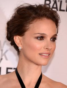 Best 2012 Red Carpet Beauty Completely Gorgeous Hair and Make up Natalie Portman Celebrity Wedding Hair, Wedding Hair And Makeup, Celebrity Weddings, Bridal Makeup, Hair Makeup, Eye Makeup, Bronze Makeup, Celebrity Makeup, Hair Wedding