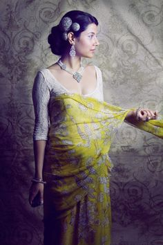 Love this vintage sari/jewelry look! Ashamed to say I've only ever worn a sari twice in my life, one for dress-up when I was 13!