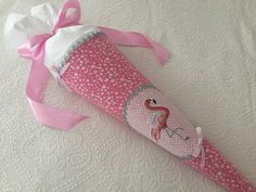❤ Schultüte Flamingo aus Stoff rosa silber inkl. Name ❤ Bestellungen oder Fragen bitte direkt an zuckermaeuschen-schultueten@gmx.de DaWanda schließt leider seine Plattform! Pink, Blog, Website, Flamingo Fabric, School Children, Back To School, Hot Pink, Pink Hair, Rose