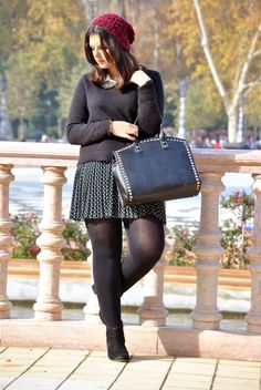 Cute girl in black mini skirt, black tights and black ankle boots Curvy Fashion, Look Fashion, Skirt Fashion, Plus Size Fashion, Womens Fashion, Pantyhose Outfits, Black Pantyhose, Black Tights, Curvy Outfits