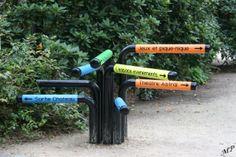 Signalétique directionnelle du parc floral de Paris #signalétique #tube