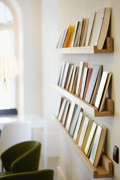 Mensola Ell – Home Office Design Diy Diy Bookshelf Design, Unique Bookshelves, Diy Bookshelf Wall, Bookshelf Ideas, Home Office Design, Home Interior Design, Wall Shelves, Shelving, Corner Shelves