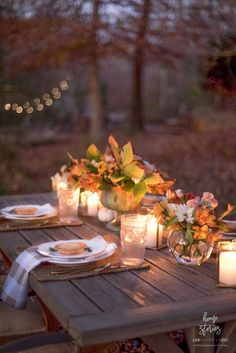 Create a beautiful outdoor fall table for Thanksgiving with these affordable decor ideas! #fallentertaining #falldecor #outdoortable #thanksgiving Thanksgiving Table Decor, Outdoor Thanksgiving, Thanksgiving Centerpieces, Thanksgiving Food, Fall Table, Autumn Decorating, Fall Decor, Decorating Ideas, Outdoor Table Settings