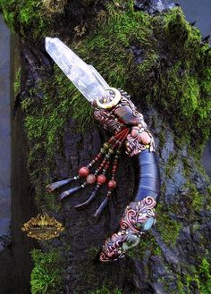 This looks like a crystal gun and I'm on board for it Witch Wand, Wizard Wand, Crystals And Gemstones, Stones And Crystals, Wiccan Wands, Wiccan Witch, Talisman, Pagan Altar, Bull Horns
