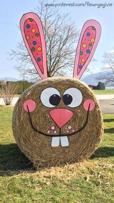 Décoration pour Pâques, lapin botte de paille. http://pinterest.com/fleurysylvie/mes-creas-deriendutout/ et www.toutpetitrien.ch