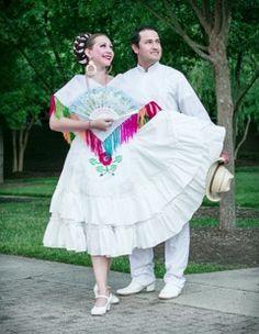 Vestuarios de guapangos Dancers: Natalia Newman, Cesar Aburto Harajuku, Ballet, Traditional, Style, Fashion, Viva Mexico, Dressing Rooms, Swag, Moda