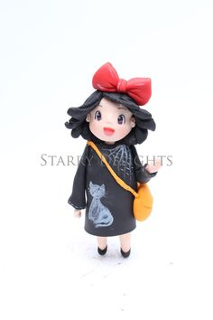 I am Starry Delights and I love figurine modelling. I made this little topper tutorial inspired by Studio Ghibli Kiki's delivery...