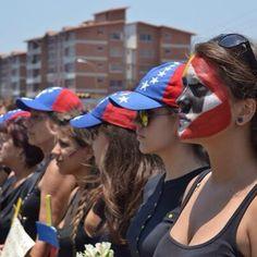 40 Impactful Images of the Venezuelan People fighting for their liberty | SOS Venezuela
