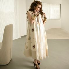White Dubai Fashion, India Fashion, African Fashion, Modesty Fashion, Hijab Fashion, Fashion Dresses, Moslem Fashion, Arabic Dress, Anarkali Dress