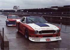 Une Aston Martin...ça j'adore, ça avait une gueule