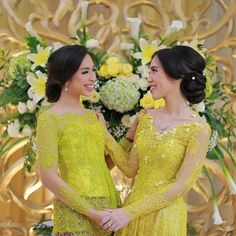 461.8k Followers, 100 Following, 1,062 Posts - See Instagram photos and videos from Kebaya Inspiration INDONESIA (@kebaya_inspiration) Kebaya Lace, Kebaya Hijab, Kebaya Brokat, Batik Kebaya, Indonesian Kebaya, Indonesian Wedding, Hijab Fashion, Women's Fashion, Fashion Outfits